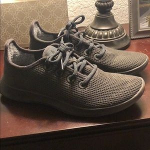Allbird charcoal gray tennies, size 7 (worn once)